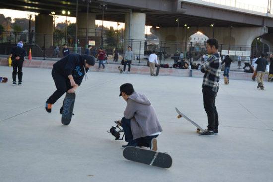 Mariusのフリースタイルスケートボードを撮影する僕