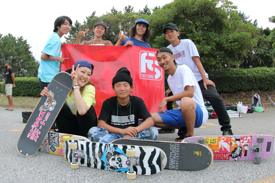 FScomの仲間たちと ガールズスケートボーダーJun